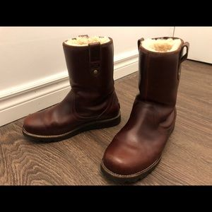 Ugg shoes, fairly new, men size 9